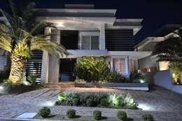 modern Houses by Paulinho Peres Group