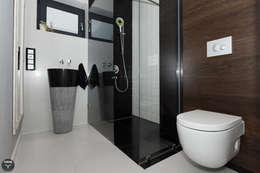 minimalistic Bathroom by stabrawa.pl