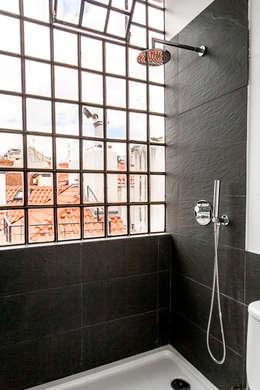 Home Staging Factory: akdeniz tarzı tarz Banyo