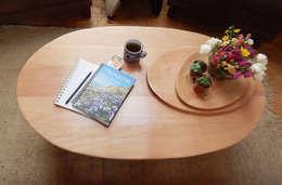 MESA NUBE LENTICULAR: Livings de estilo ecléctico por TocToc - Muebles y Objetos Argentinos