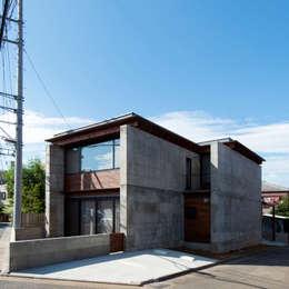 中浦和の住宅: 井上洋介建築研究所が手掛けた家です。
