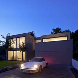 Projekty, nowoczesne Domy zaprojektowane przez Architekturbüro Dongus