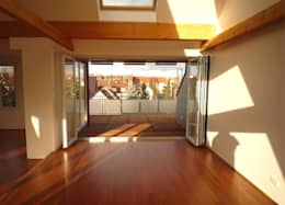 Salas / recibidores de estilo clásico por Gündchen