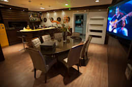 modern Dining room by Paulinho Peres Group