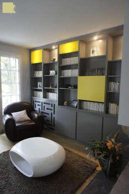 Rénovation maison Q. à St-Genis-Laval (Rhône): Salon de style de style Moderne par Marion Bochirol Architecte d'Intérieur CFAI
