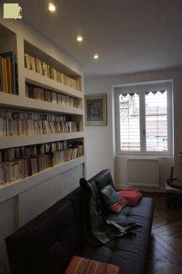 Rénovation appartement A. Lyon (6ème): Bureau de style de style Moderne par Marion Bochirol Architecte d'Intérieur CFAI