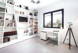 minimalistic Study/office by COCO Pracownia projektowania wnętrz
