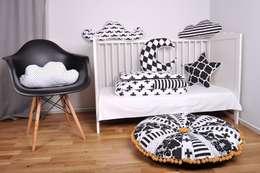 KOLEKCJA BLACK&WHITE: styl , w kategorii Pokój dziecięcy zaprojektowany przez COZYDOTS