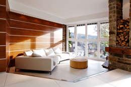Salon de style de style Moderne par gmyrekarchitekten
