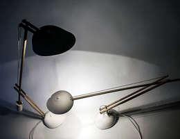 Anonymous lamp: moderne Woonkamer door Studio Pascal Smelik