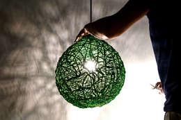 Driplamp: moderne Woonkamer door Studio Pascal Smelik