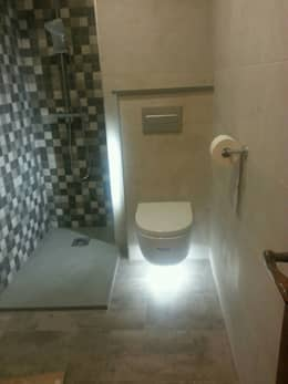 modern Bathroom by River Cuina
