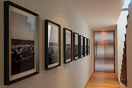 Corridor & hallway by Faci Leboreiro Arquitectura