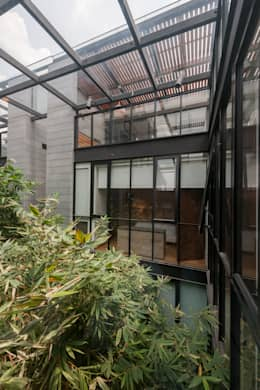 Ventanas de estilo  por Faci Leboreiro Arquitectura