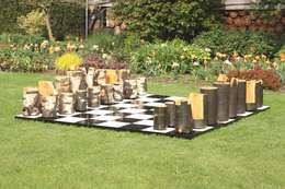 Houten spellen: moderne Tuin door OntHout