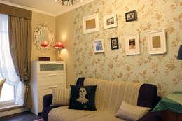 3-x комнатная квартира: Гостиная в . Автор – Space for life