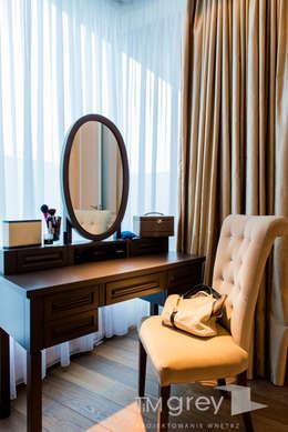 NY Style Apartment : styl , w kategorii Sypialnia zaprojektowany przez TiM Grey Interior Design
