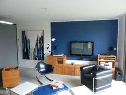 maison VAP: Salon de style de style Moderne par virginie DEVAUX