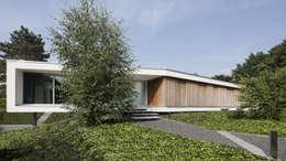 Eigentijdse bungalow: moderne Huizen door Lab32 architecten