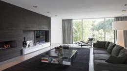 Salas / recibidores de estilo moderno por Lab32 architecten
