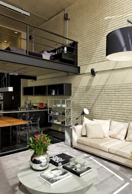 industrial Living room by DIEGO REVOLLO ARQUITETURA S/S LTDA.