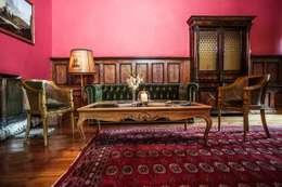 klasieke Woonkamer door Maison de Rome INTERIOR DSIGN