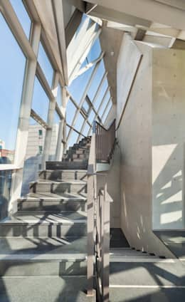 지엘컴 사옥: 제이에이치와이 건축사사무소의  상업 공간