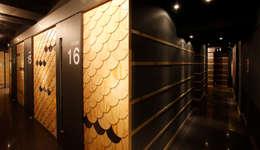 いざかや: W.H.A.I LAB의  벽