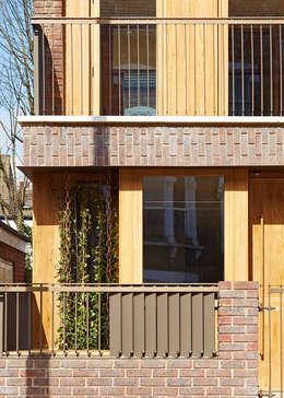 Projekty, nowoczesne Domy zaprojektowane przez Satish Jassal Architects