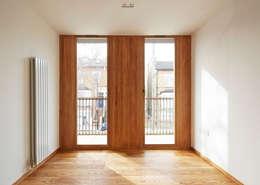 Bedroom balcony doors: modern Bedroom by Satish Jassal Architects