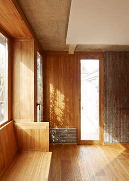 scandinavian Living room by Satish Jassal Architects