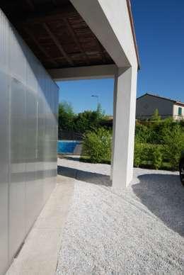 Pool Box: Maisons de style de style Moderne par Munvez Serra Sarl