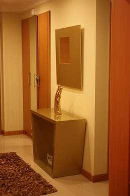 NTG Mimarlık – Akkaya's Family Home : modern tarz Koridor, Hol & Merdivenler