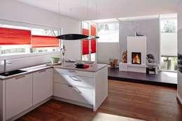Salas de jantar modernas por Lasciati Tendare
