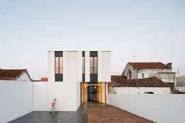 Casa Jarego: Jardins modernos por CVDB Arquitectos