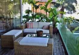Terrazas de estilo  por Kika Prata Arquitetura e Interiores.