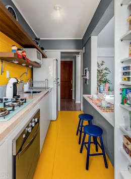 PROJETO COZINHA APARTAMENTO MB – Tristeza/ Porto Alegre: Cozinhas ecléticas por Ambientta Arquitetura