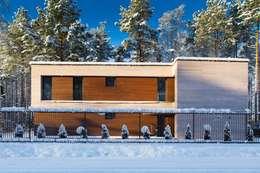 Дом в загородном поселке «Охтинский парк»:  в . Автор –  Aleksandr Zhydkov Architect