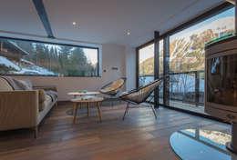Dag Chamonix: Salon de style de style Moderne par Chevallier Architectes