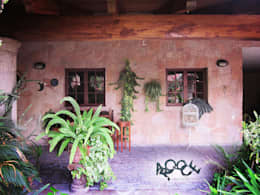Terrasse de style  par CONSTRUCTORA ARQOCE