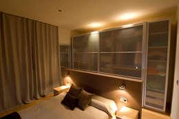 Dormitorios de estilo escandinavo por Cardellach Interior & Events