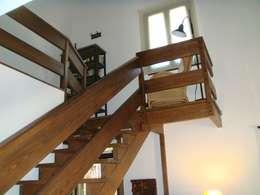 si tu presupuesto es corto pero no quieres abandonar la idea de tener una escalera rstica ve por los seguro y mndala a hacer con barandas