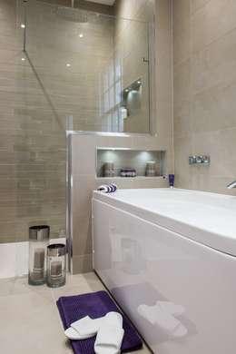 Raycross Interiors: modern tarz Banyo