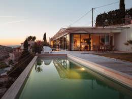 VILLA MACINITA: Maisons de style de style Moderne par X-TREM CLEMENT BOIS ARCHITECTE