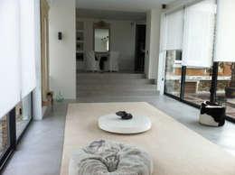 Béton Ciré: Salon de style de style Moderne par ARTS BETON DESIGN - Créateur de béton haute couture