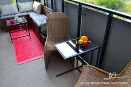 Strefa ze stolikiem: styl , w kategorii Korytarz, przedpokój zaprojektowany przez Studio Modelowania Przestrzeni