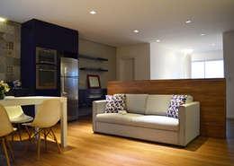 Salas / recibidores de estilo moderno por Boa Arquitetura