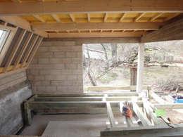 plancher et structure amovibles - support jacuzzi: Spa de style de style Moderne par MARION GORGUES