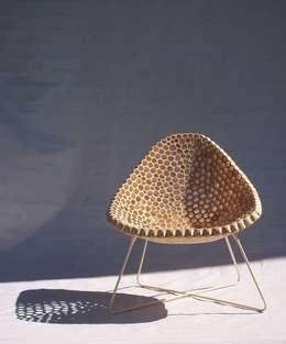 Salas de estilo minimalista por flöhrdesign