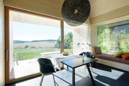 Comedores de estilo moderno por Hofgut Hafnerleiten